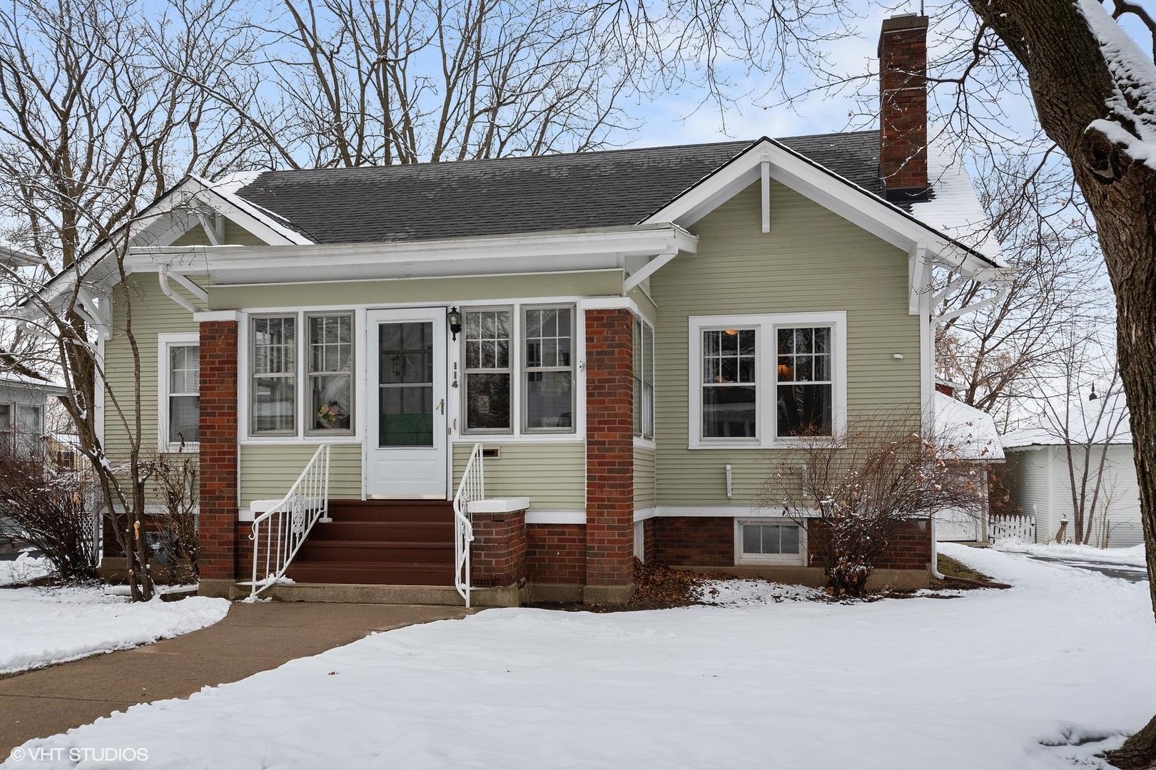 114 Dundee ,Barrington, Illinois 60010