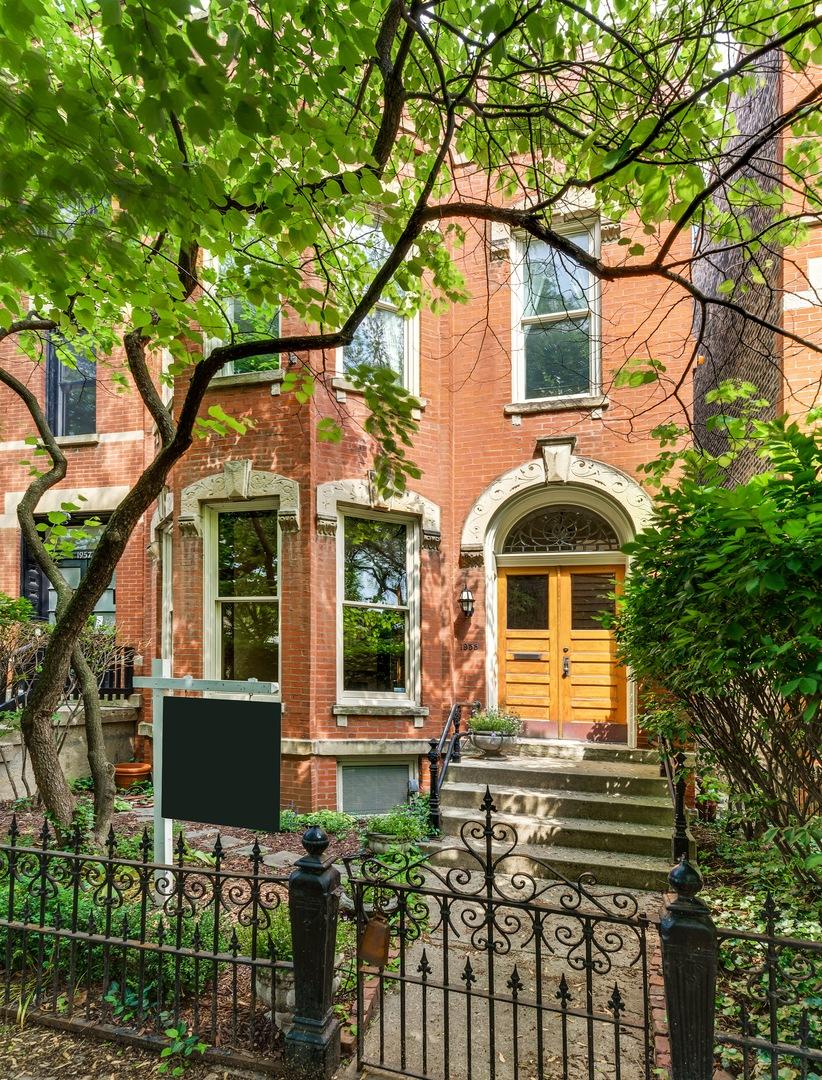 1955 N Fremont Street, Chicago, Illinois 60614