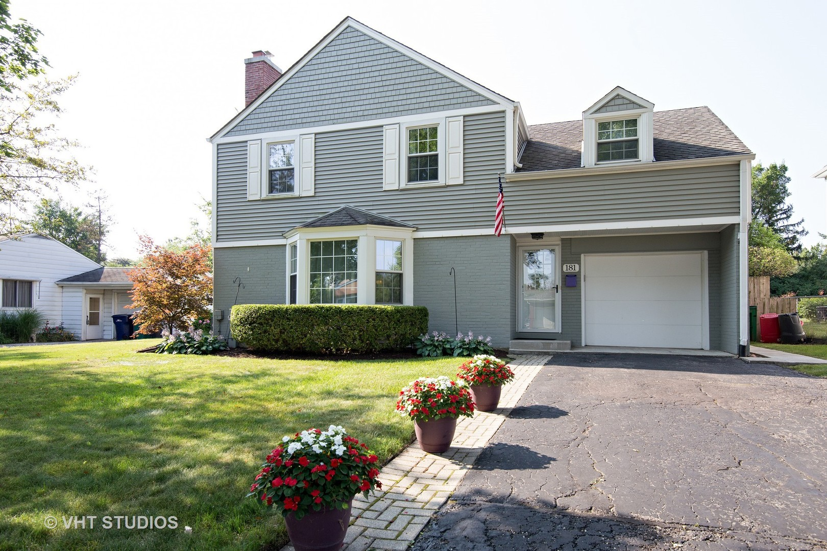 181 W Hickory Rd, Lombard IL 60148
