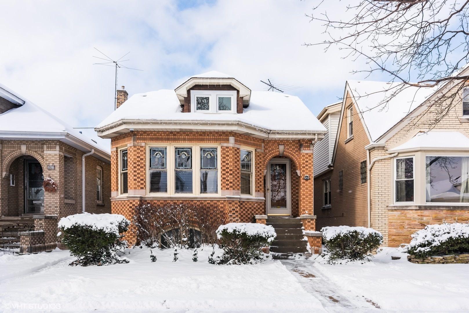 5712 N Moody Avenue, Chicago, Illinois 60646