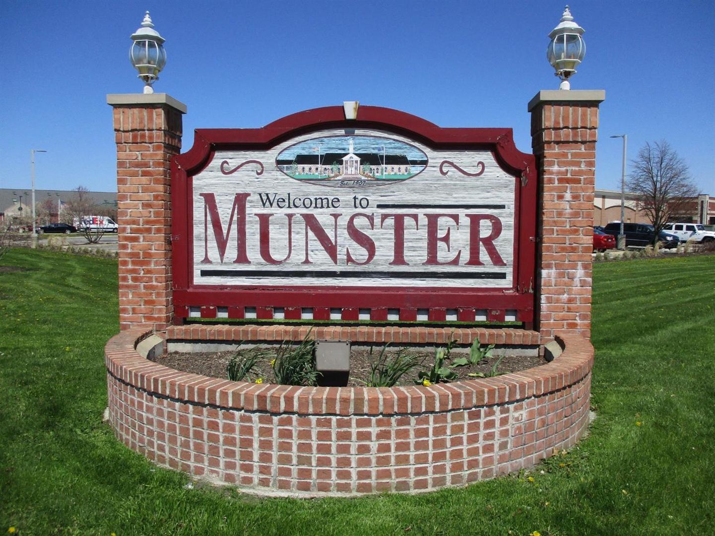 8132 Castle ,Munster, Indiana 46321
