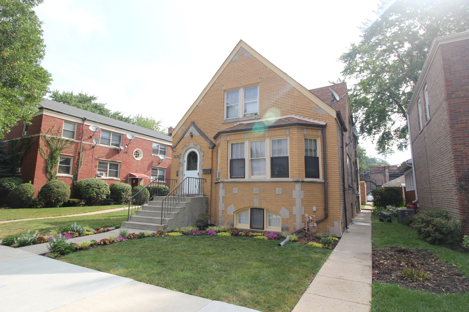 Photo of 10931 Artesian Avenue CHICAGO IL 60655