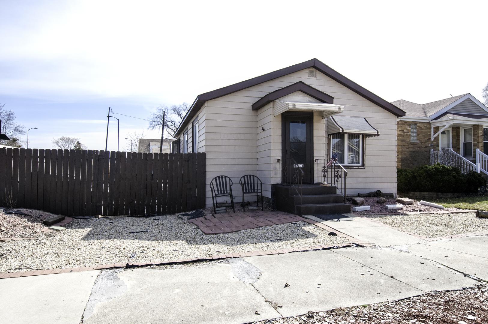 10301 Christiana ,Chicago, Illinois 60655