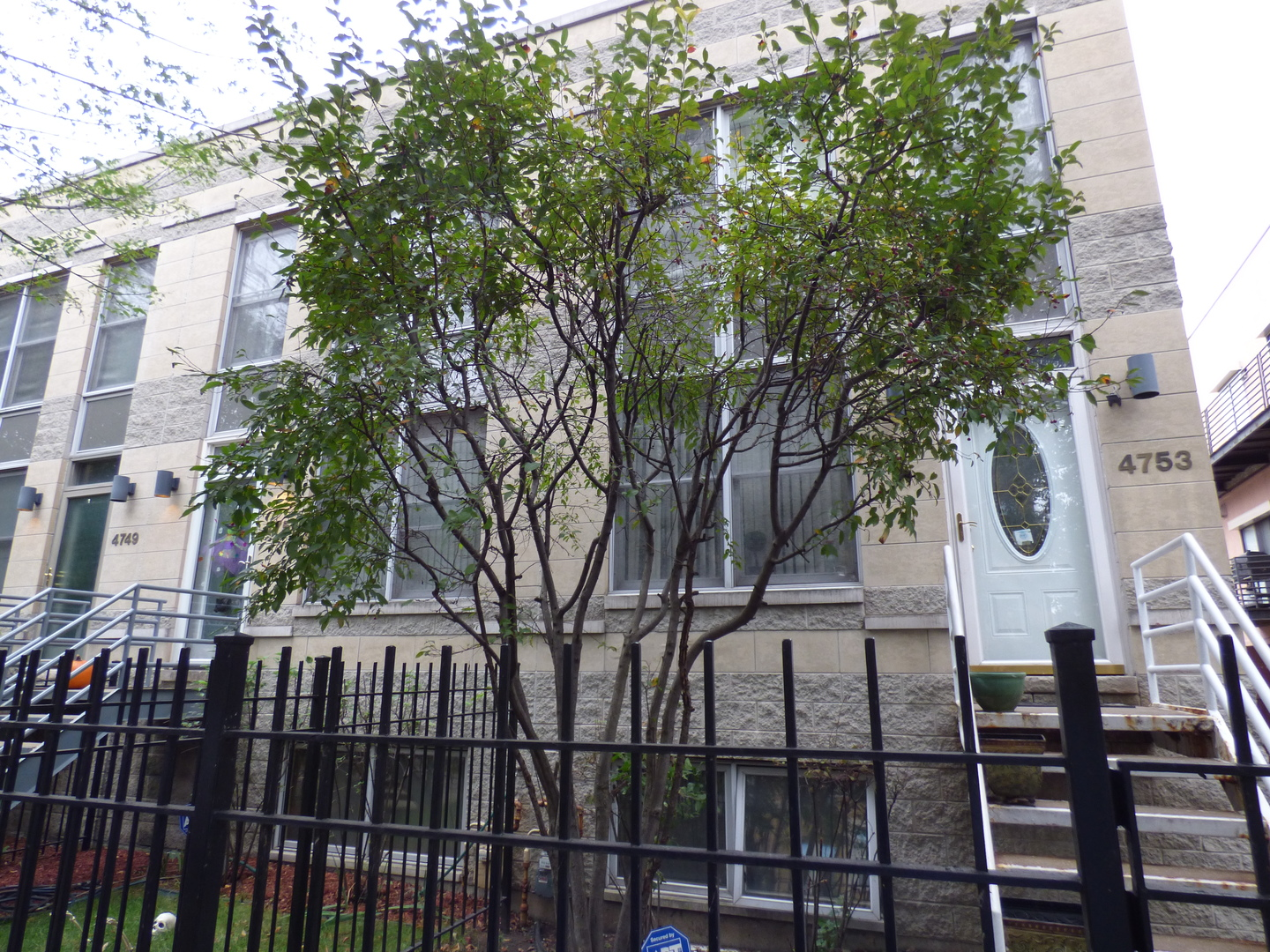 $370,000 - 3Br/3Ba -  for Sale in Chicago