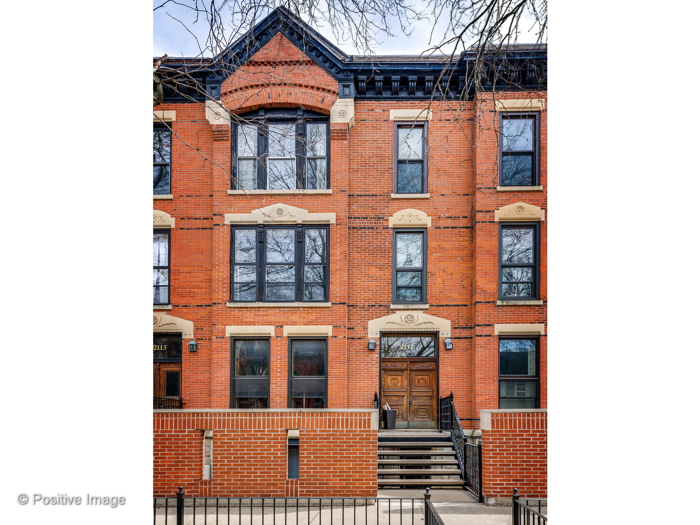 2111 N CLEVELAND Avenue 1, Chicago, Illinois 60614