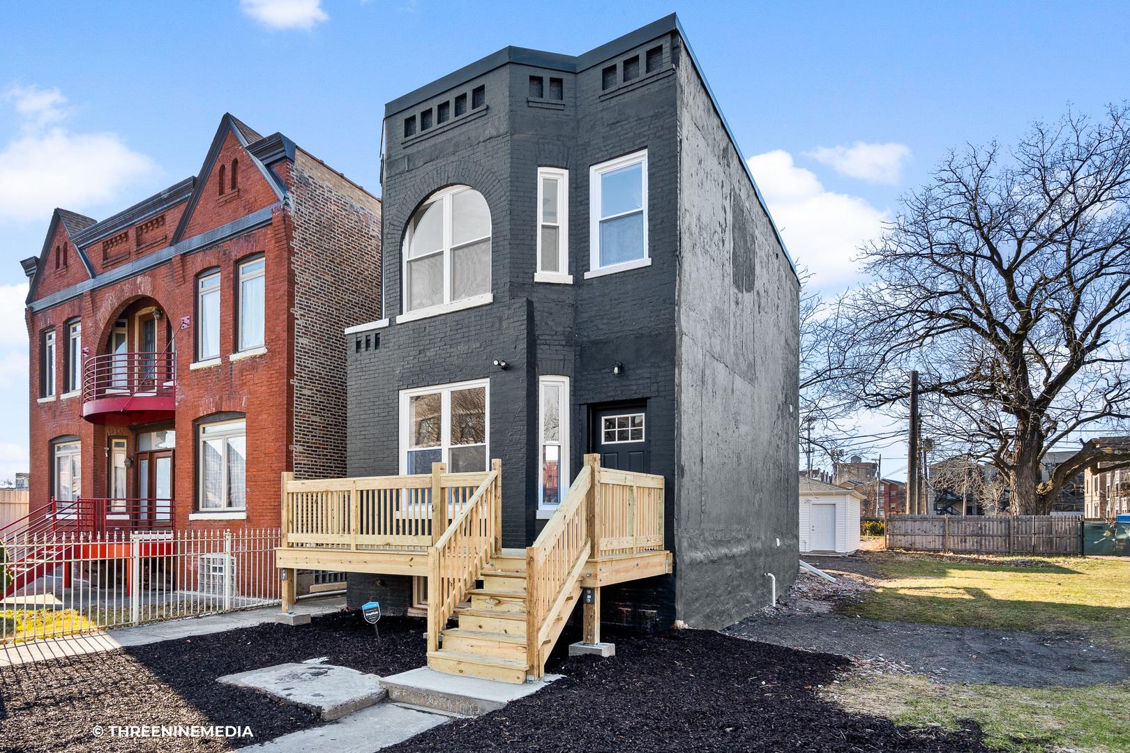 4248 Saint Lawrence ,Chicago, Illinois 60653
