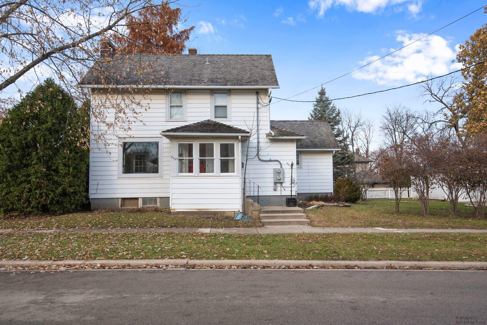 119 Dundee ,Barrington, Illinois 60010