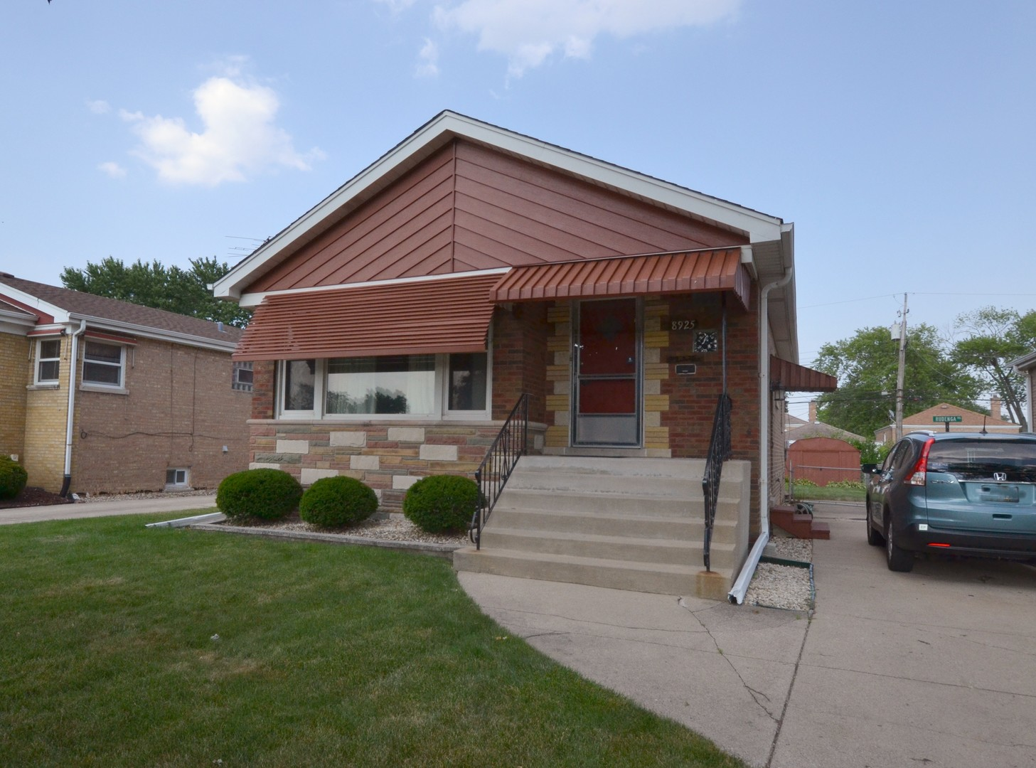 Photo of 8925 Albany Evergreen Park IL 60805