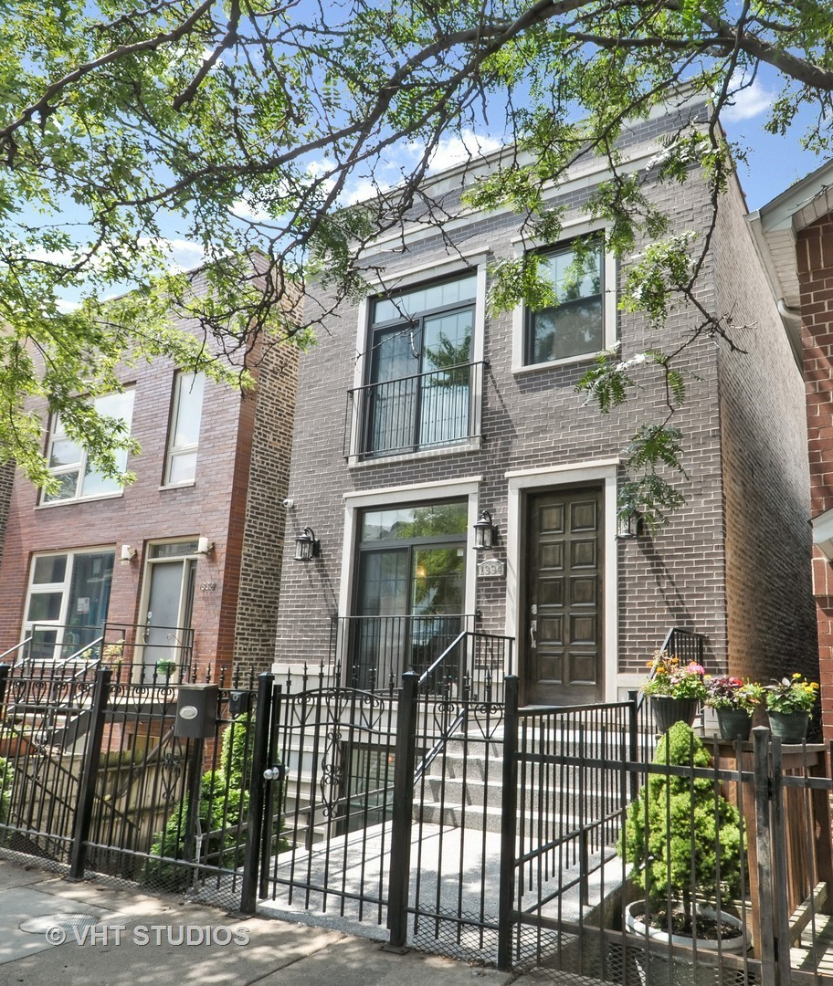 1334 North Bosworth Avenue, Chicago-West Town, IL 60642