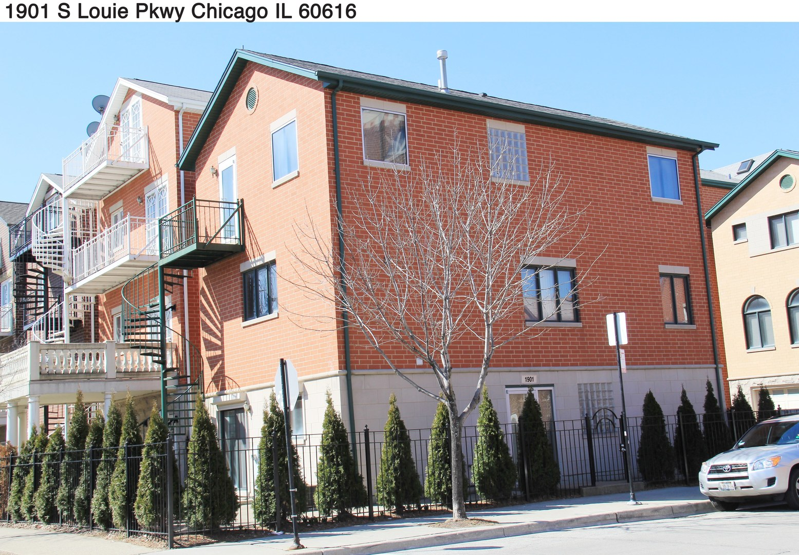 1901 SOUTH LOUIE PARKWAY, CHICAGO, IL 60616
