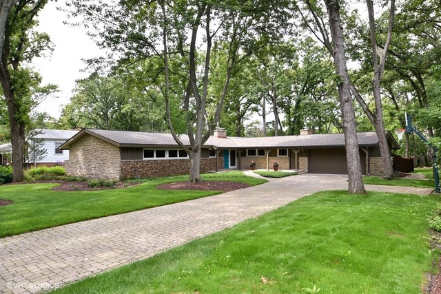 572 Forest Hill Rd, Lake Forest IL 60045