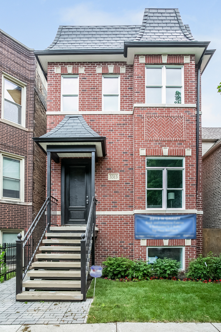 3313 N Oakley Avenue, Chicago, IL 60618