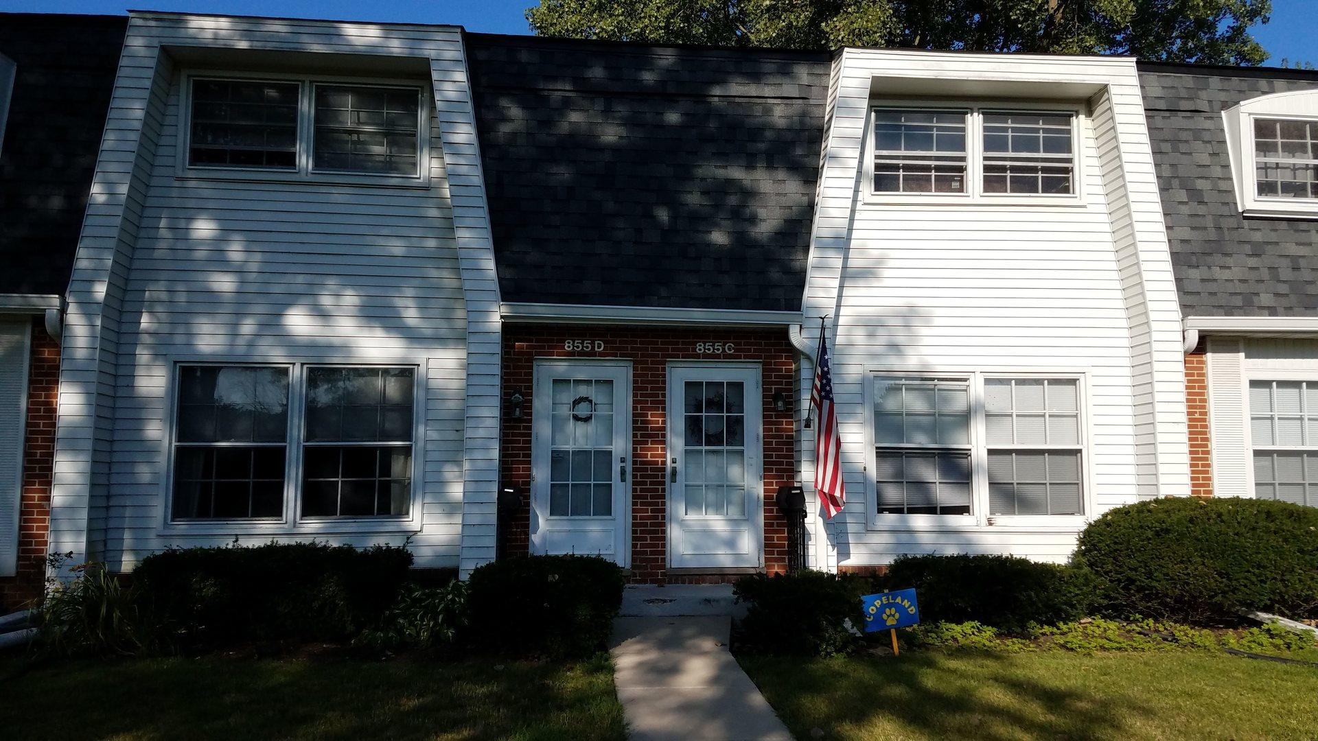 855 Country Club Unit Unit d ,Libertyville, Illinois 60048