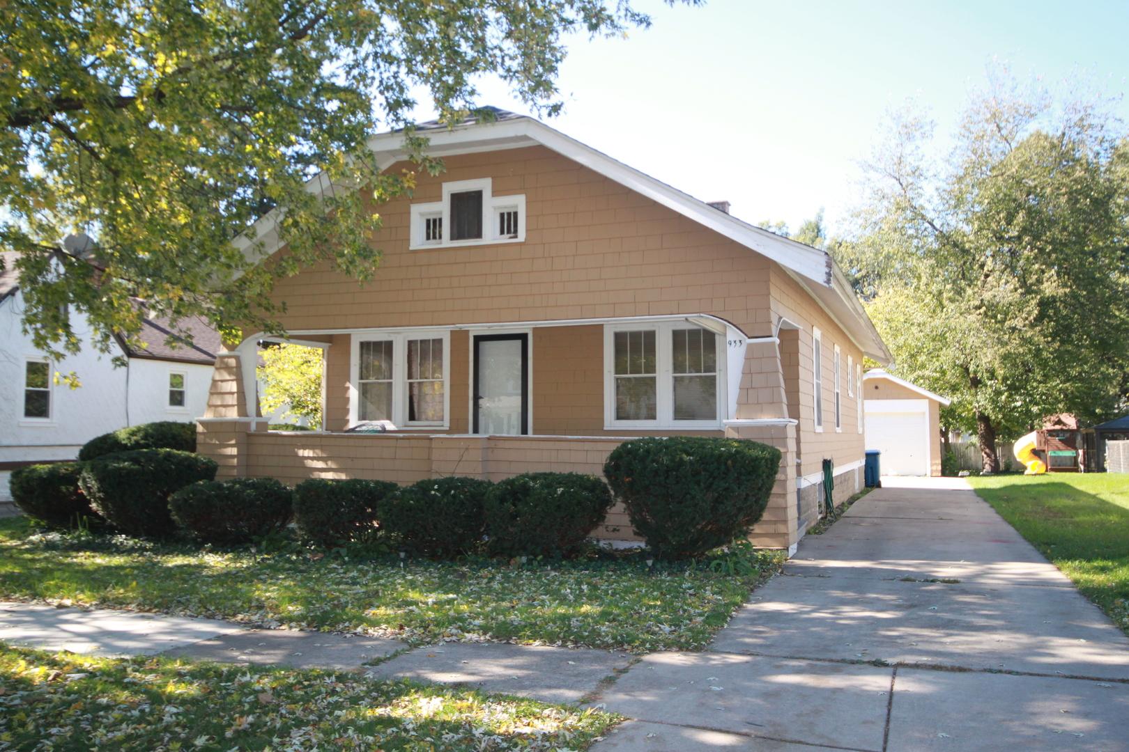 933 Pearl ,Aurora, Illinois 60505