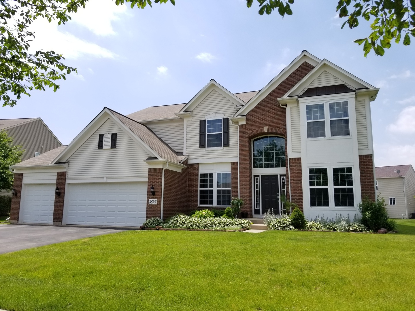 This 3100 square foot, two-story home in Winchester Glen has a vaulted foyer and family room, 4 bedrooms, 2.5 bathrooms, separate living area, dining room, office, laundry room, pantry and an open concept with large kitchen overlooking breakfast area and family room. Close to highway, restaurants, shopping and grocery stores. The subdivision has a walking trail, playground, park, baseball & soccer fields.  All buyer's agents welcome!