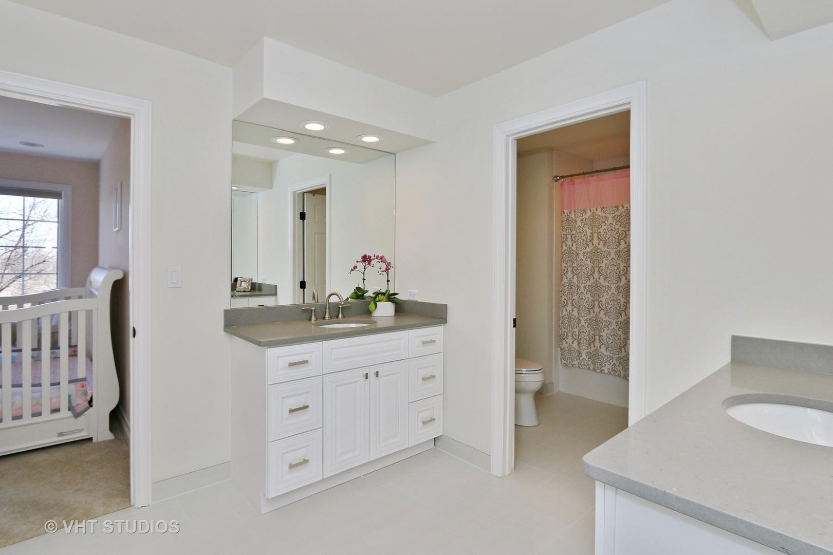 PropertyUP[09886762]|sale| 203 Peregrine Hawthorn woods, Illinois 60047