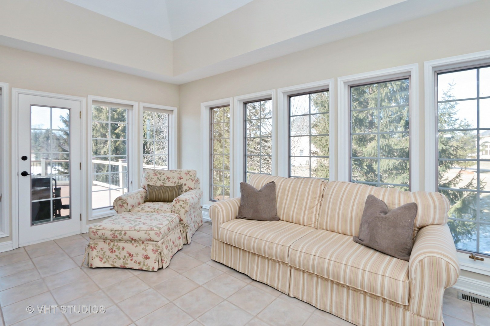 Nice Homes For Sale Hawthorn Woods Il Ideas - Home Decorating Ideas ...