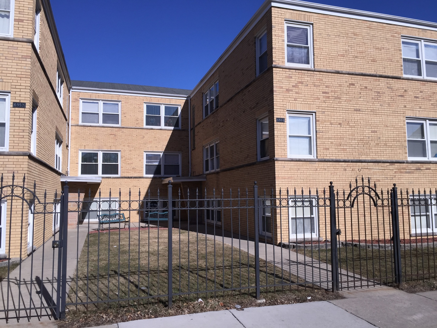 6952 W Diversey AVE Unit #1S, Chicago, IL, 60607, condos and townhomes for sale
