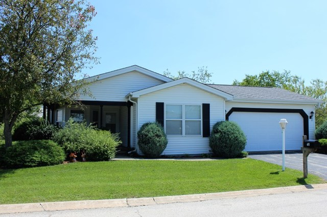 611 Filly Ln, Grayslake IL 60030