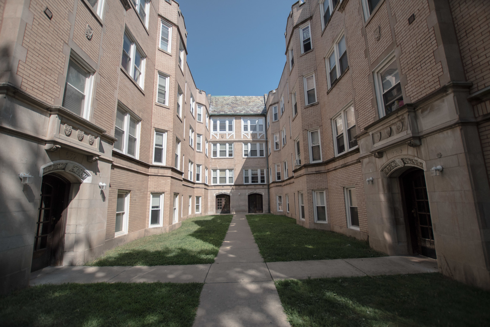 6319 Artesian Unit Unit 3e ,Chicago, Illinois 60659
