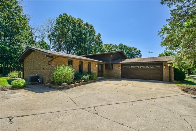 330 Parkshore ,Shorewood, Illinois 60404