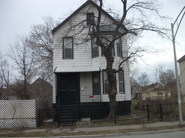 $1 - 4Br/0Ba -  for Sale in Chicago