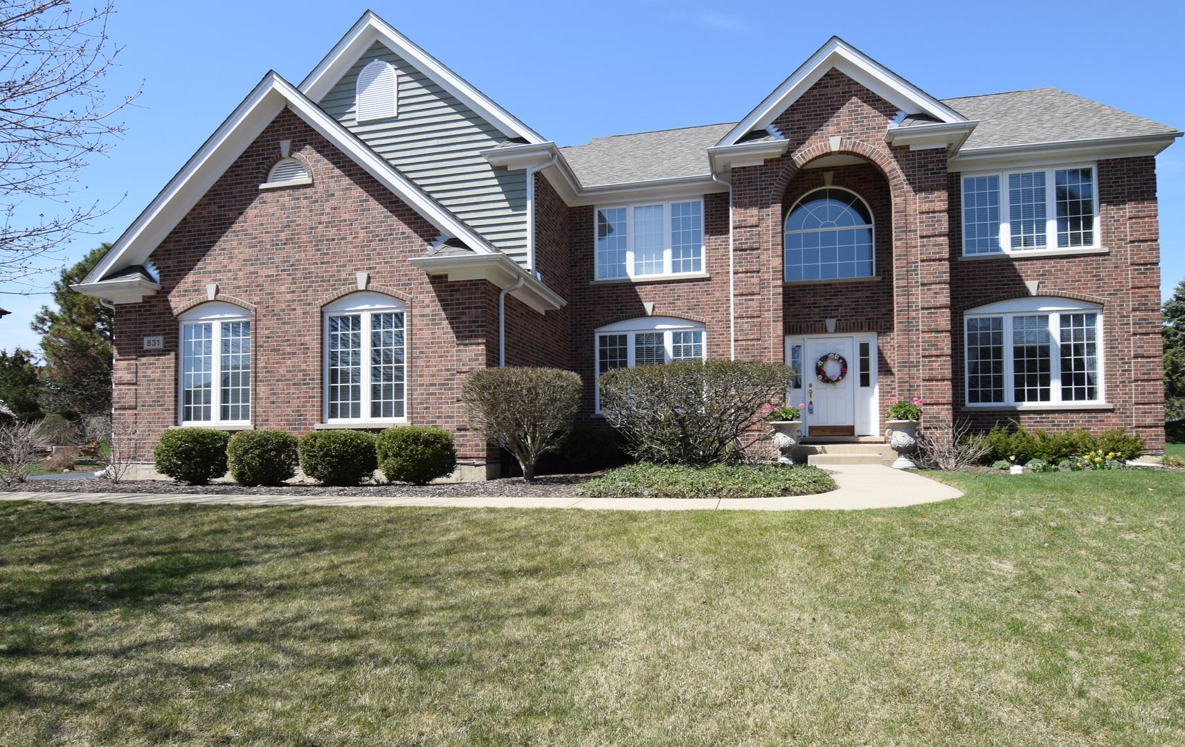 831 Mason Lane, Lake In The Hills, IL 60156