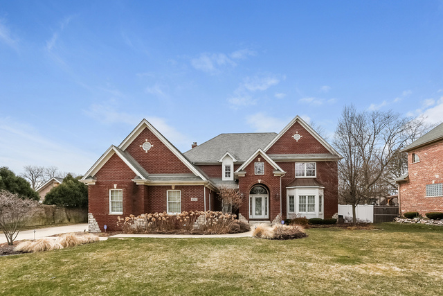 4052 Glendenning Road, Downers Grove, IL 60515