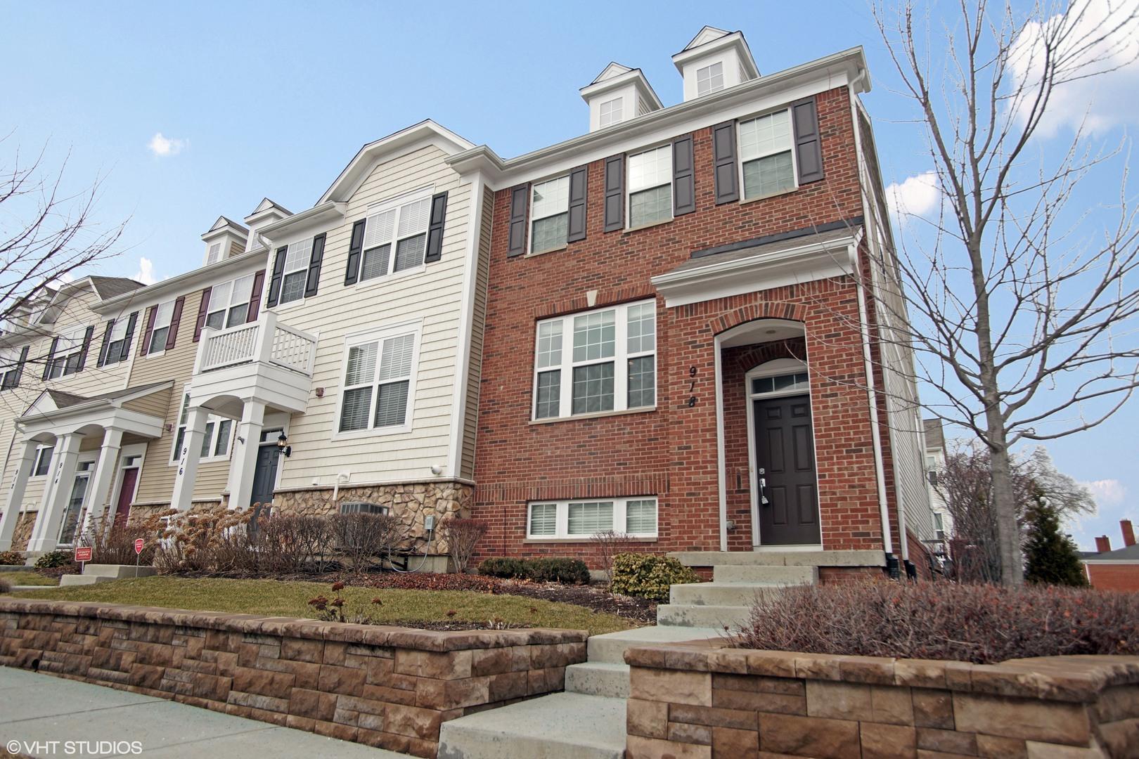 918 East Wing Street, Arlington Heights, IL 60004