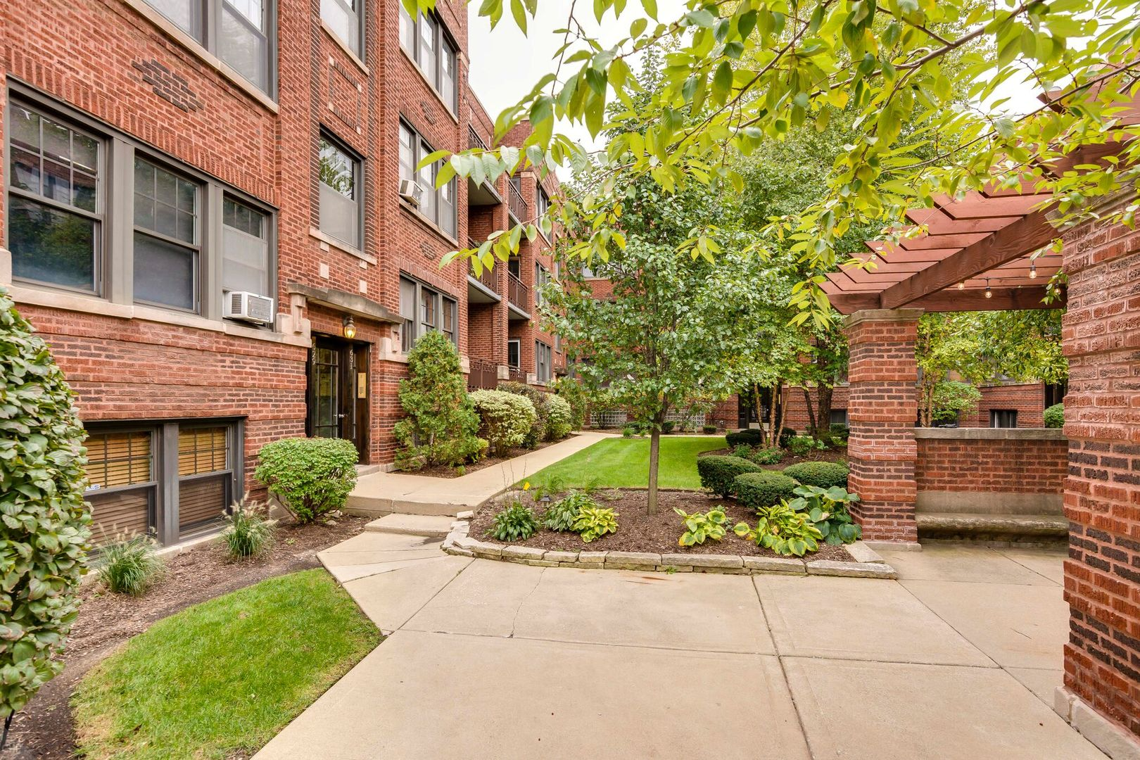 629 Garfield Unit Unit 2n ,Oak Park, Illinois 60304