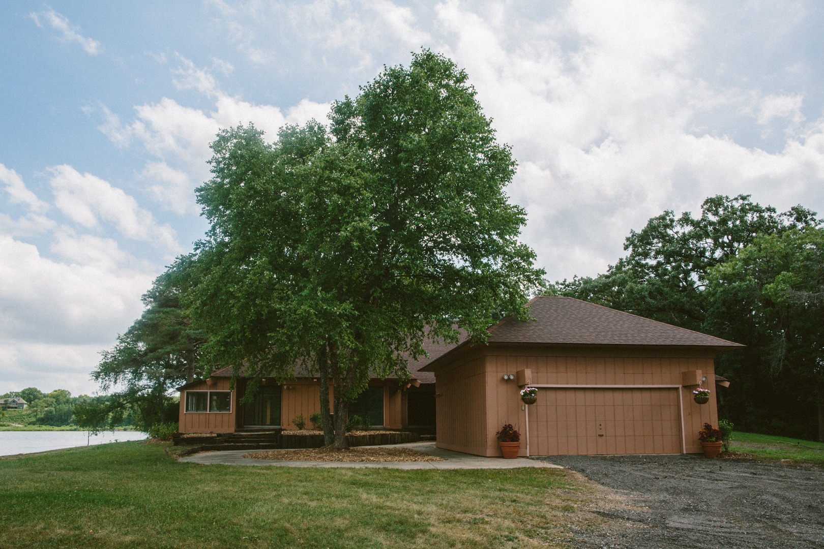 3116 Thompson Road, Wonder Lake, IL 60097