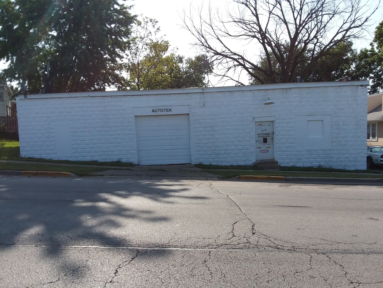 373 Lincoln, Aurora, Illinois 60506