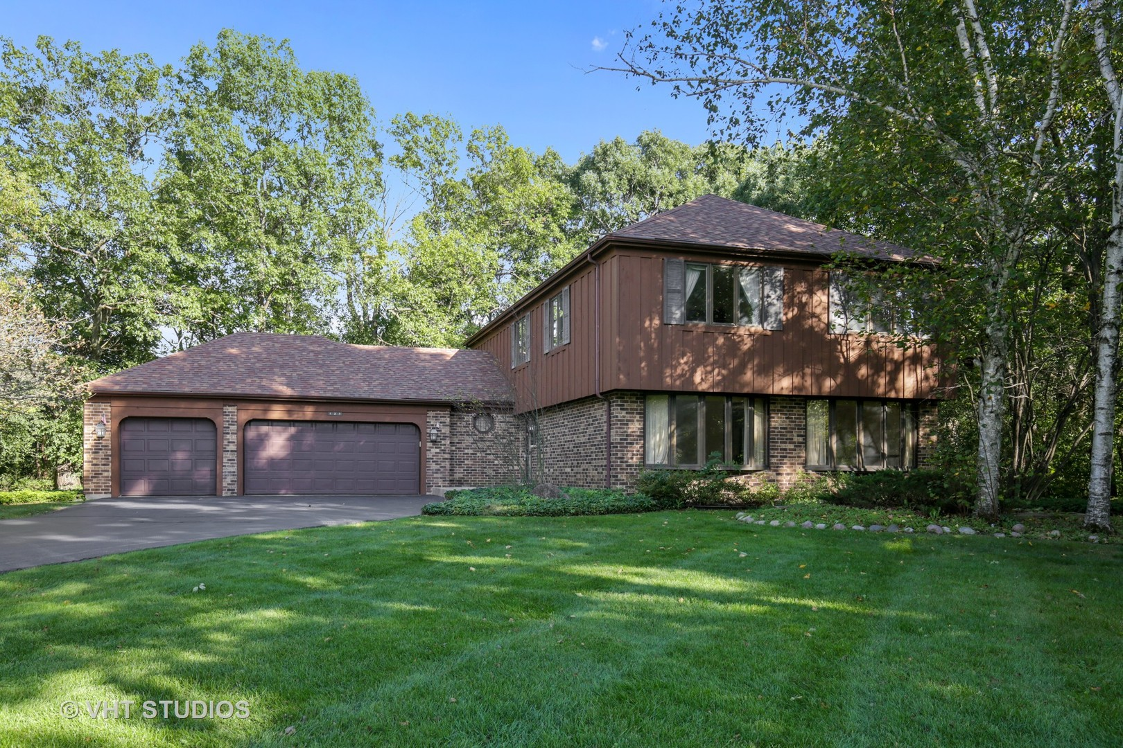 127 Hidden Oaks ,Barrington, Illinois 60010