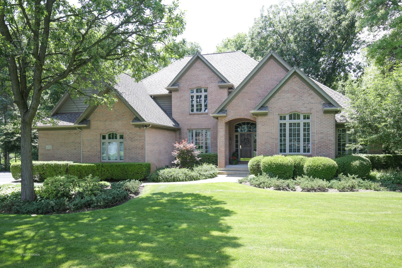 6712 Colonel Holcomb Drive, Crystal Lake, IL 60012