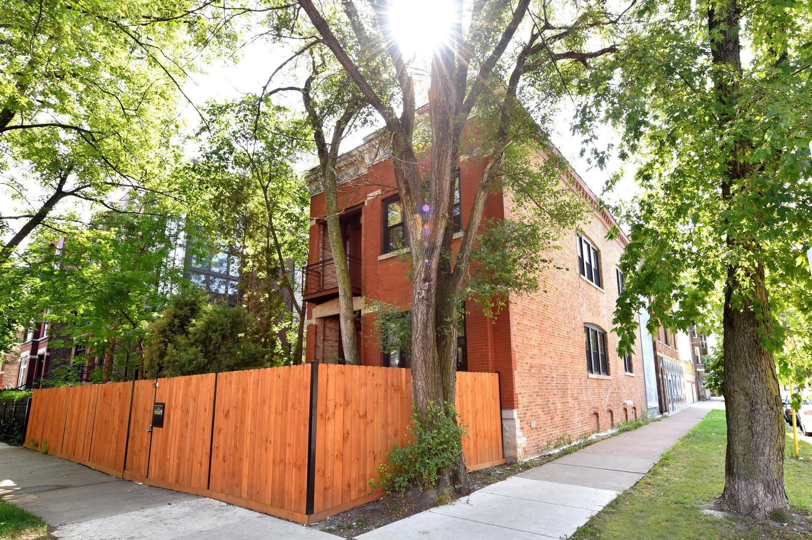 1358 North Campbell Avenue, Chicago-West Town, IL 60622