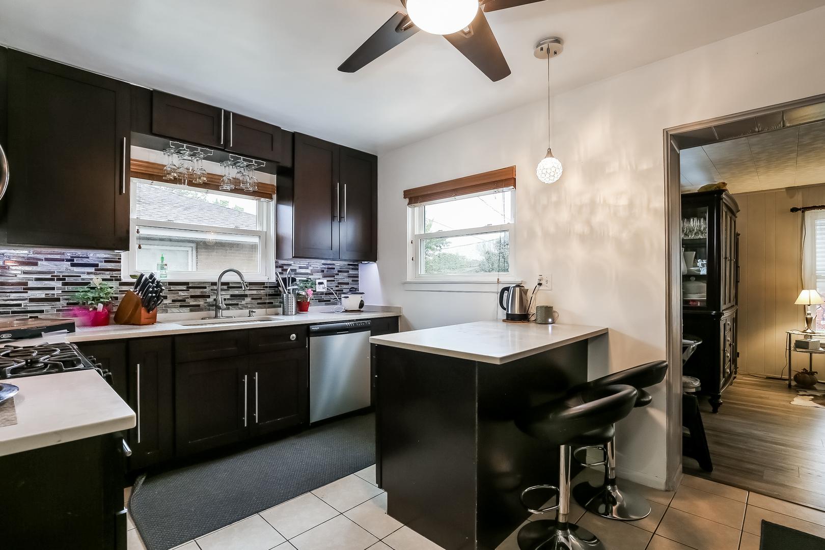 4718 Narragansett ,Harwood Heights, Illinois 60706