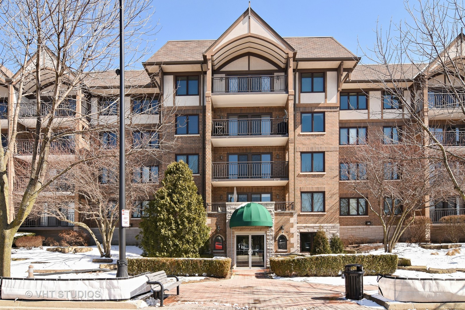 5 South Pine Street, Mount Prospect, IL 60056