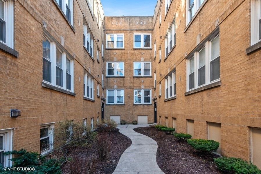 3429 Shakespeare Unit Unit 3a ,Chicago, Illinois 60647