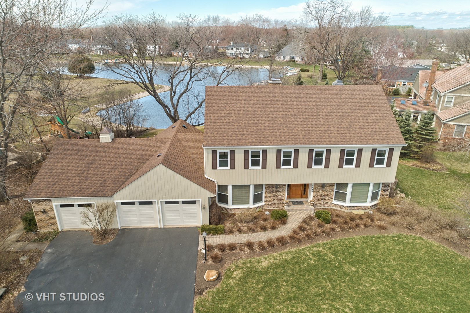 1390 The Point ,Barrington, Illinois 60010