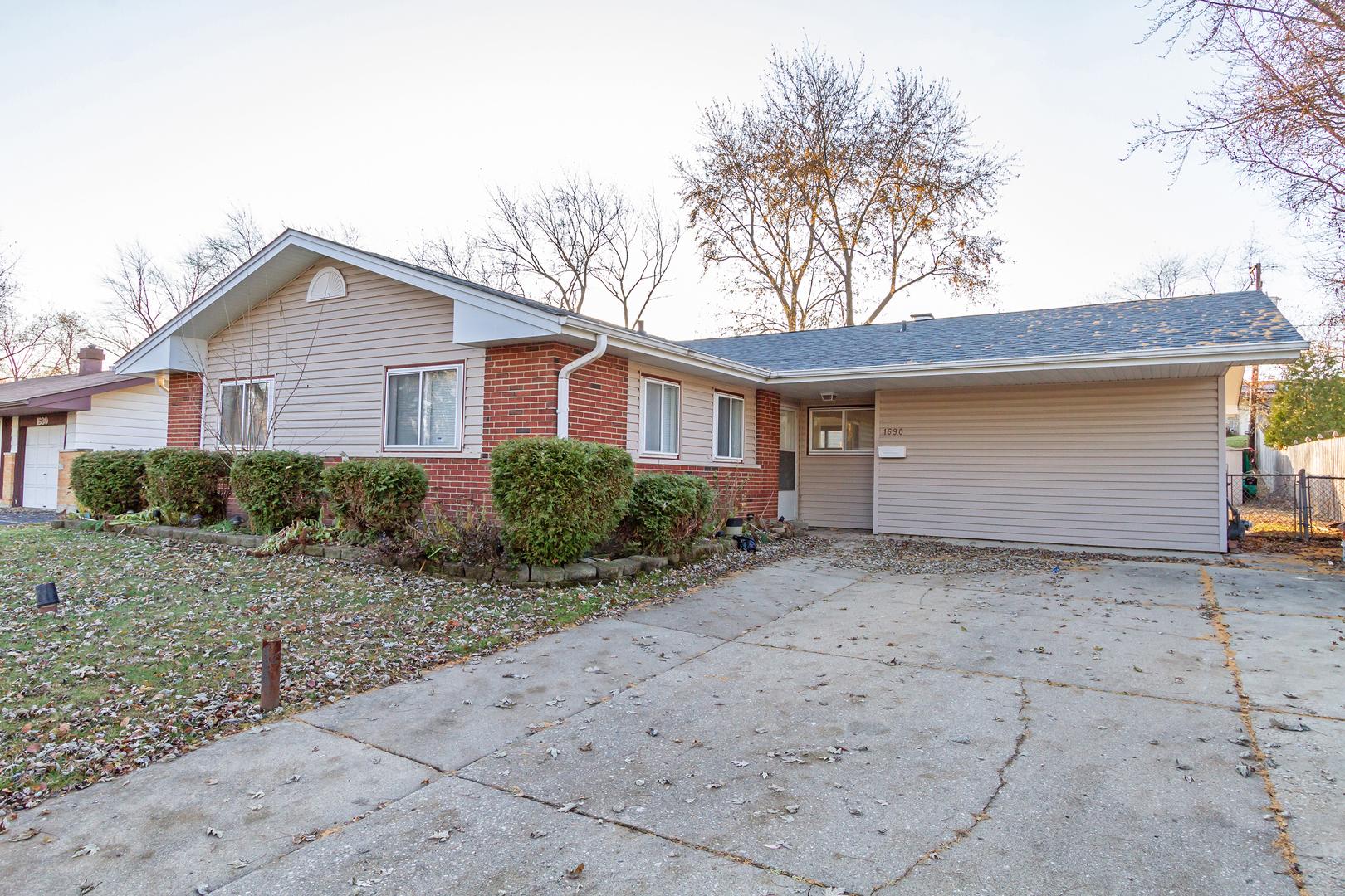 1690 Pierce ,Hoffman Estates, Illinois 60169
