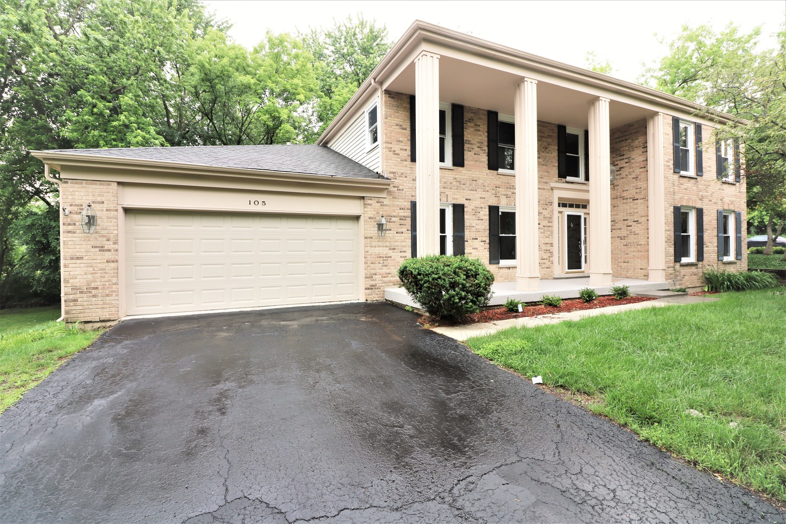 105 Covington ,Barrington, Illinois 60010