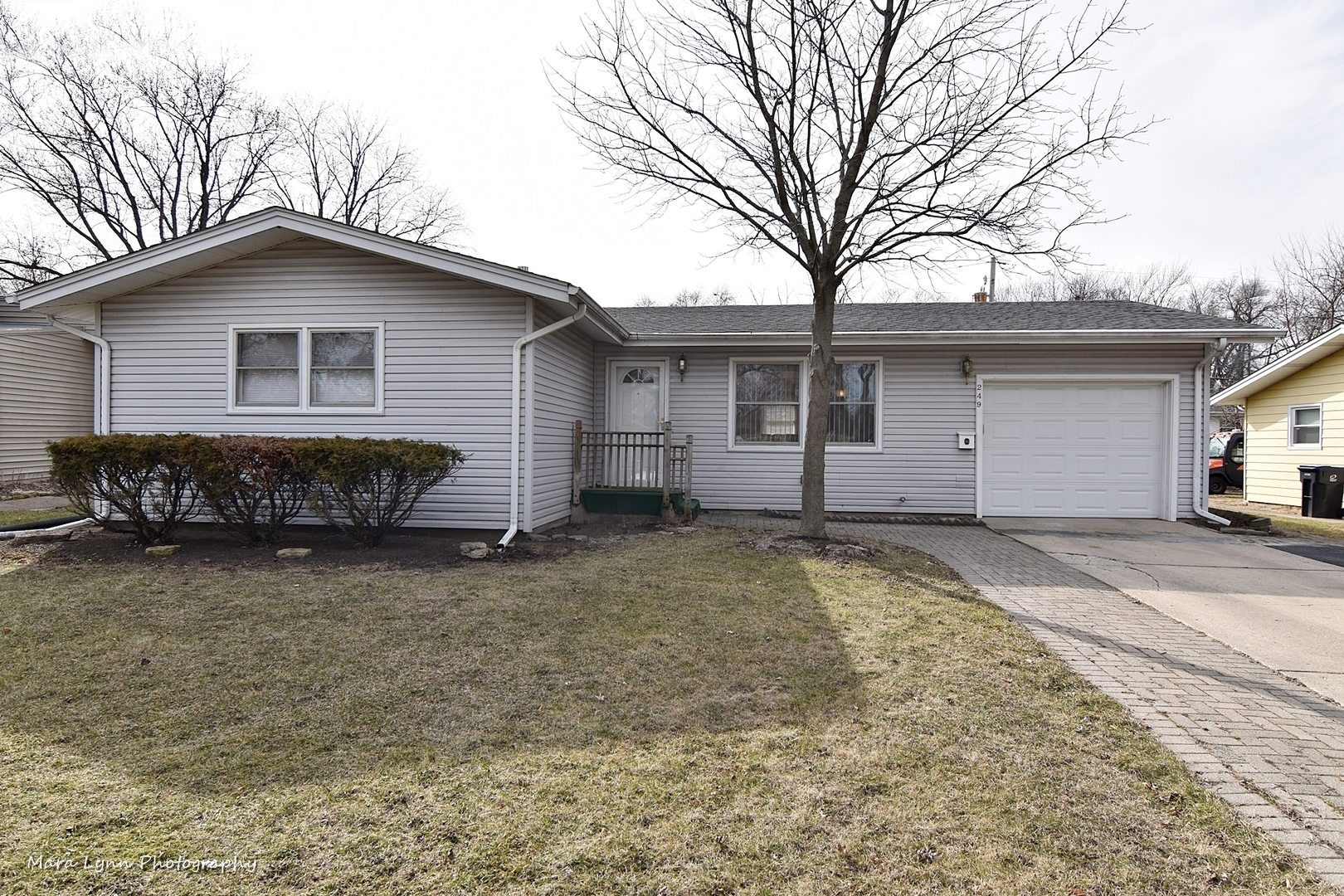 249 South 17th Street Geneva, St. Charles, Batavia, South Elgin, Elburn, Elgin, North Aurora, Aurora  Home Listings - The Cory Jones Team - RE/MAX Great American North Geneva, St. Charles, Batavia Real Estate Agent