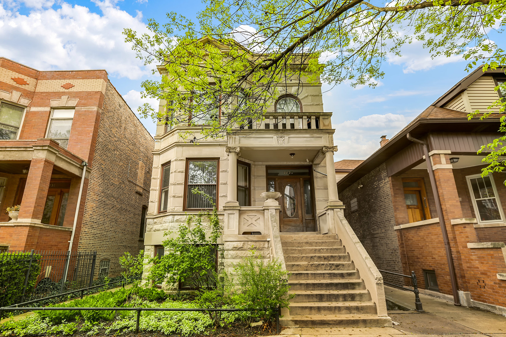 2235 West Cortez Street, Chicago-West Town, IL 60622