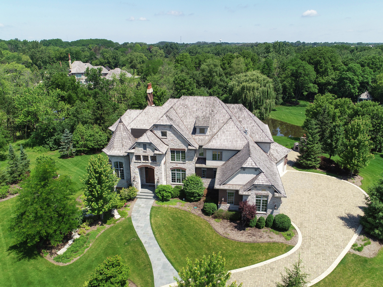 34 Abbey Woods Drive, Barrington, IL 60010