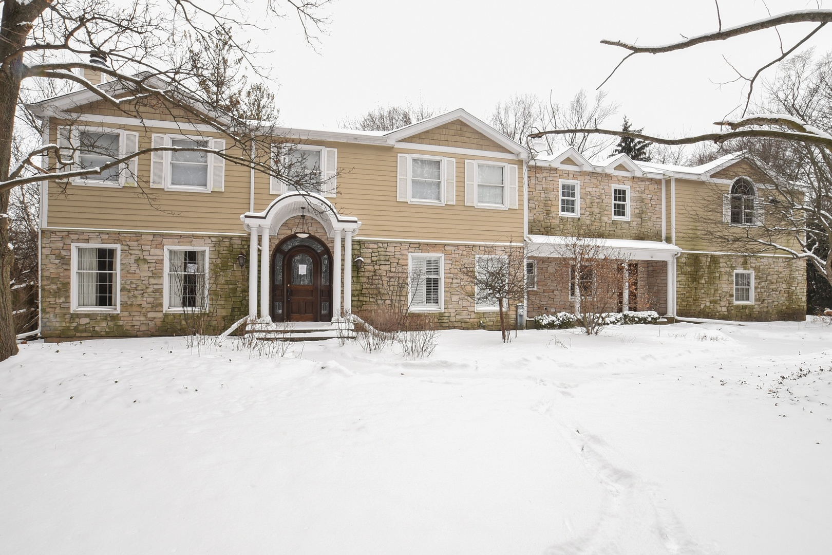 325 WEST DEERPATH ROAD, LAKE FOREST, IL 60045  Photo 2
