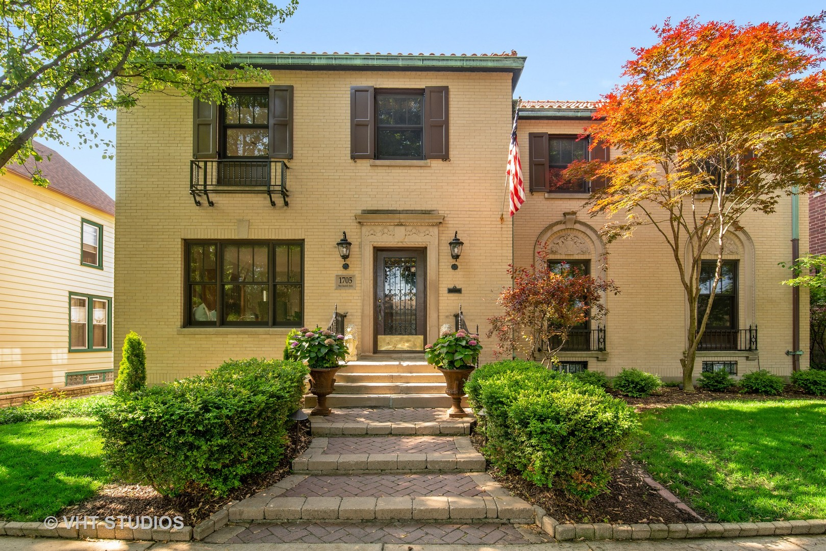 1705 WEST ROSEHILL DRIVE, CHICAGO, IL 60660