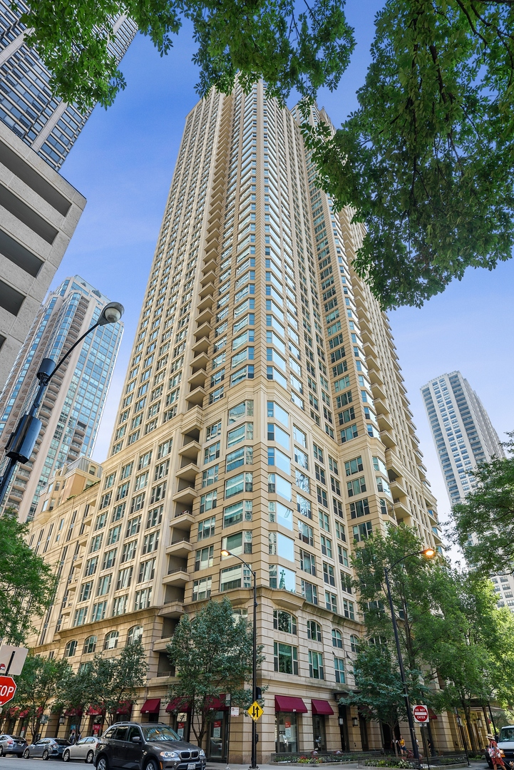 25 Superior Unit Unit 4801 ,Chicago, Illinois 60611