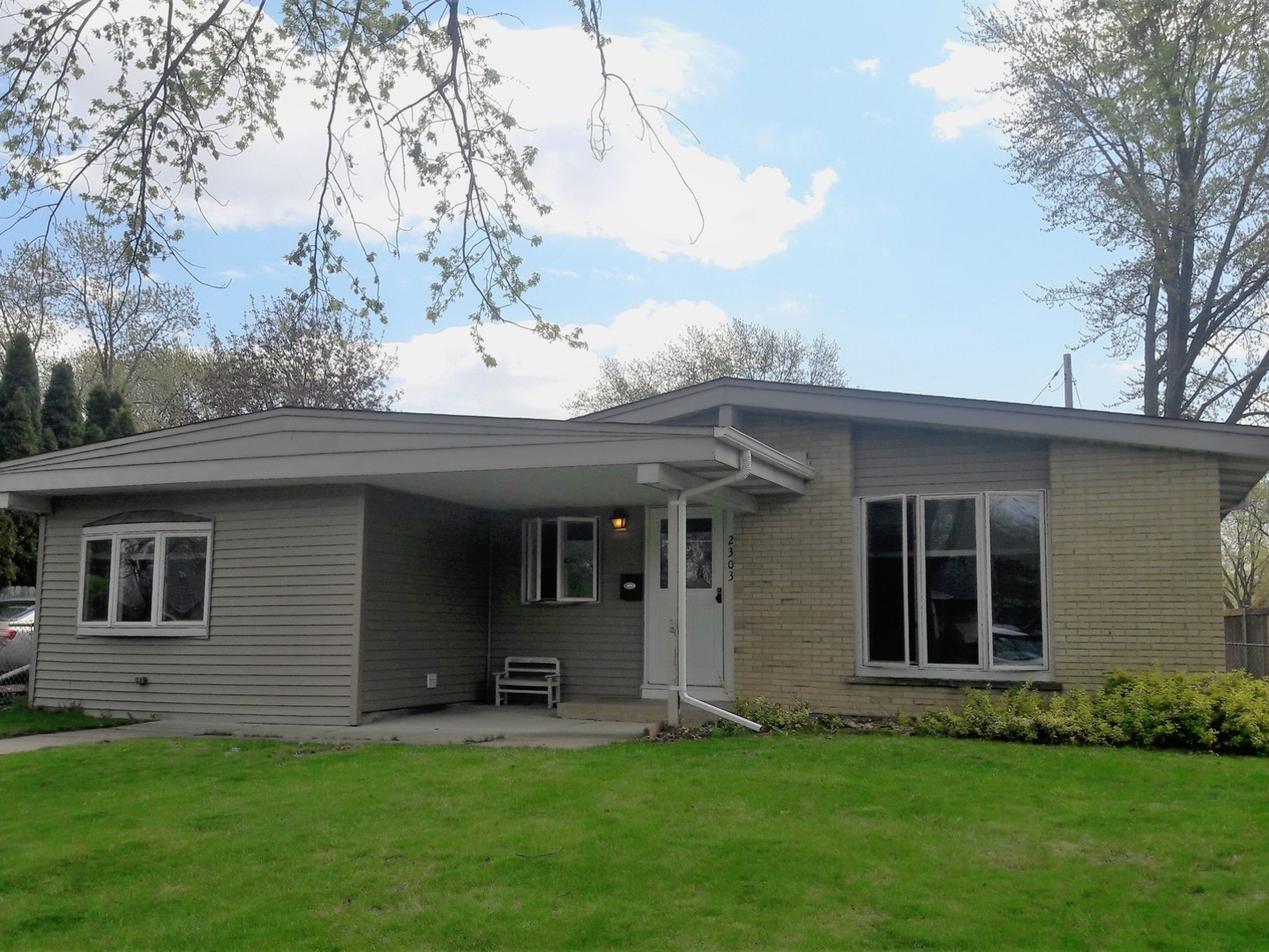 Photo of 2303 GROUSE Lane ROLLING MEADOWS IL 60008