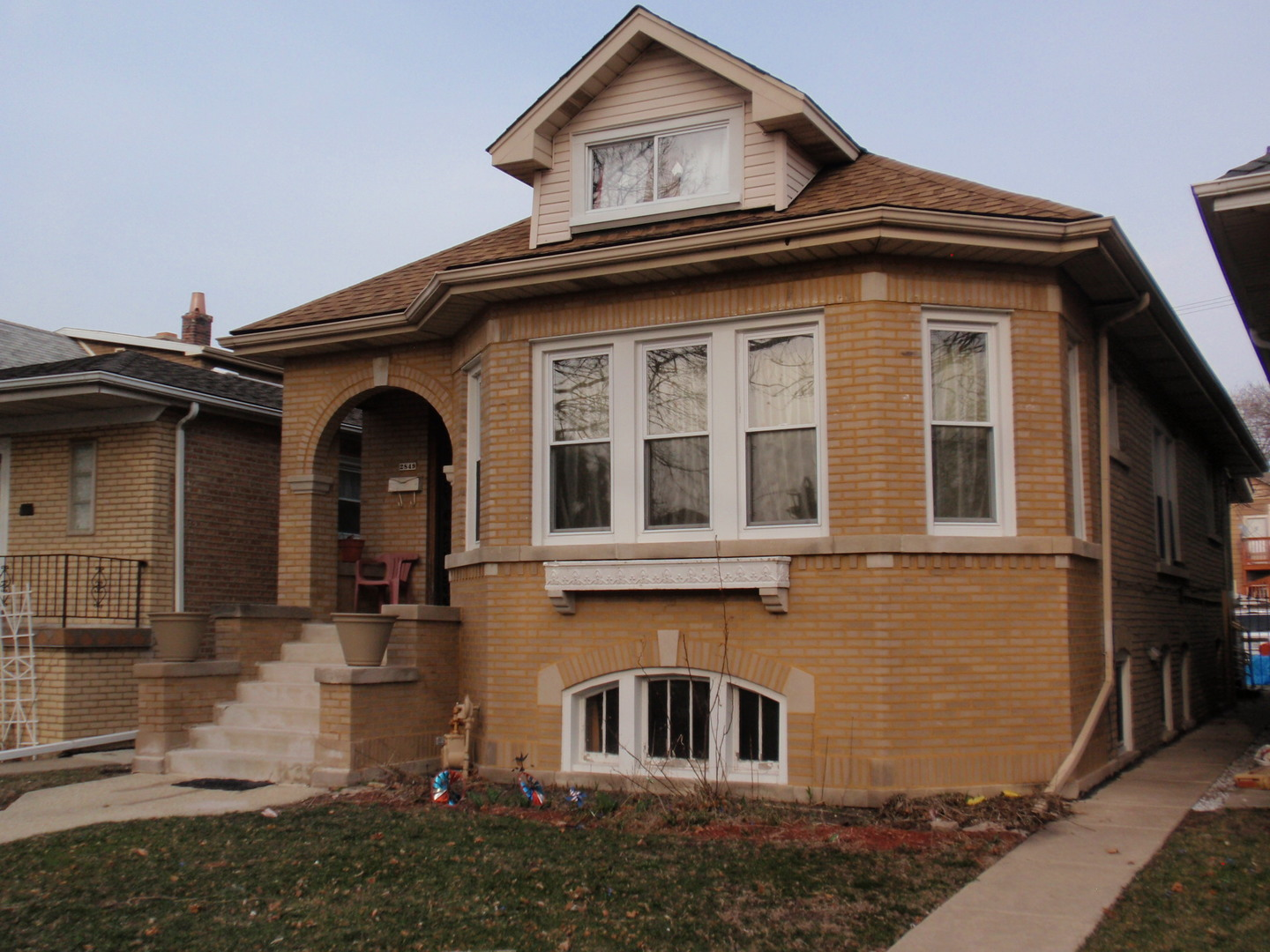 $349,900 - 4Br/3Ba -  for Sale in Chicago
