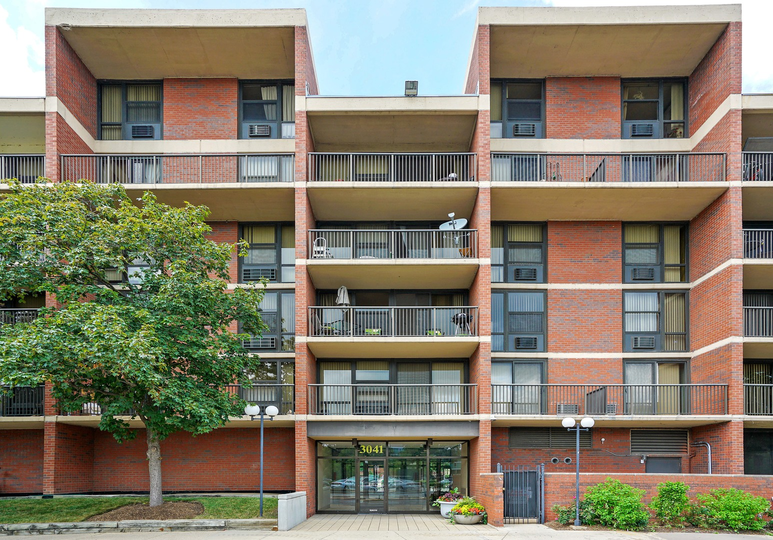 $71,000 - 0Br/1Ba -  for Sale in Chicago